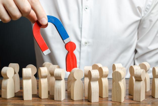 استراتژی جذب بازاریاب